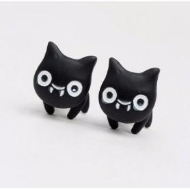 ピアス/イヤリング 大顔の猫ちゃんが挟まってるみたい 不思議な猫ピアス(='x'=)