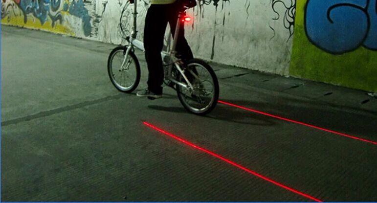 <国内発送送料無>自転車用 3段階 バックライ トレーザーテールライト(3色)