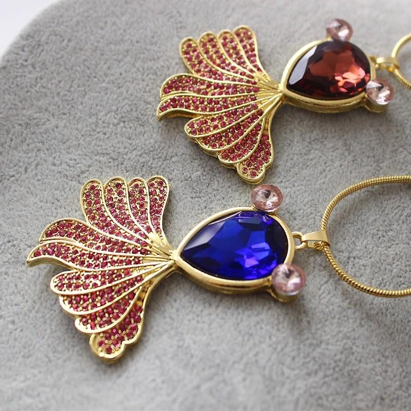 金魚モチーフのネックレス