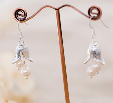 純銀 花の雫ピアス ゆらゆら風にキラキラピアス-1