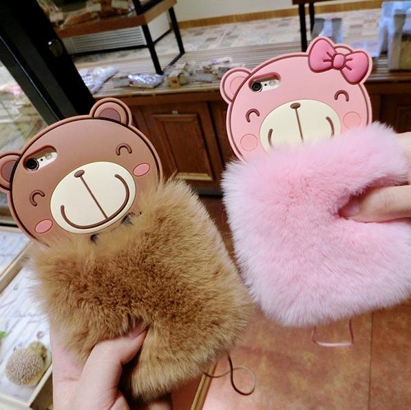 【iphone用保護ケース】   ふわふわストラップ付属のクマカバー  2色