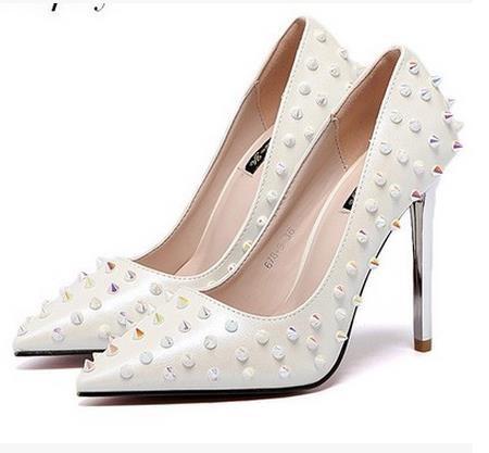 欧米    リベット  ポインテッドトゥ   ハイヒール   レディースシューズ    ハイヒールの婚姻の靴