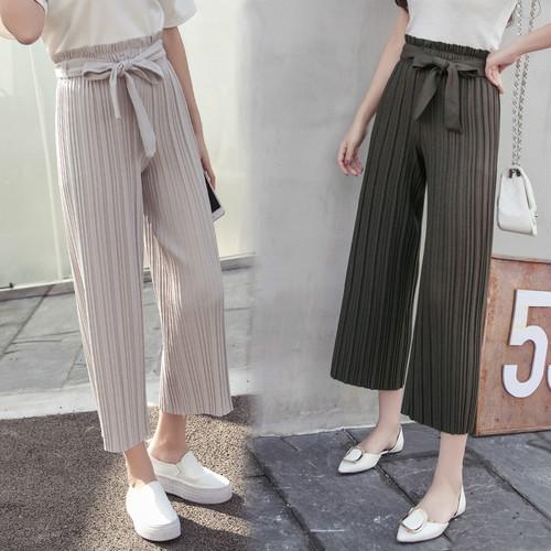 ちょう結びのけい帯のゆったりして広い足のズボンのカプリ・パンツのプリーツ-1