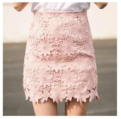 クローシェ編みのサイドオープンはスカートを刺繍します