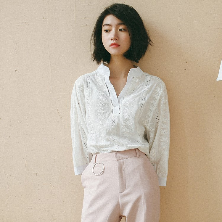 上品花柄刺繍コトンTシャツ ゆるシャツ 七分袖丈