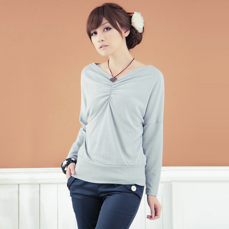【特価】大きいサイズ VネックTシャツ 無地 ドルマントップス 長袖 着痩せ 大人気 2L D571