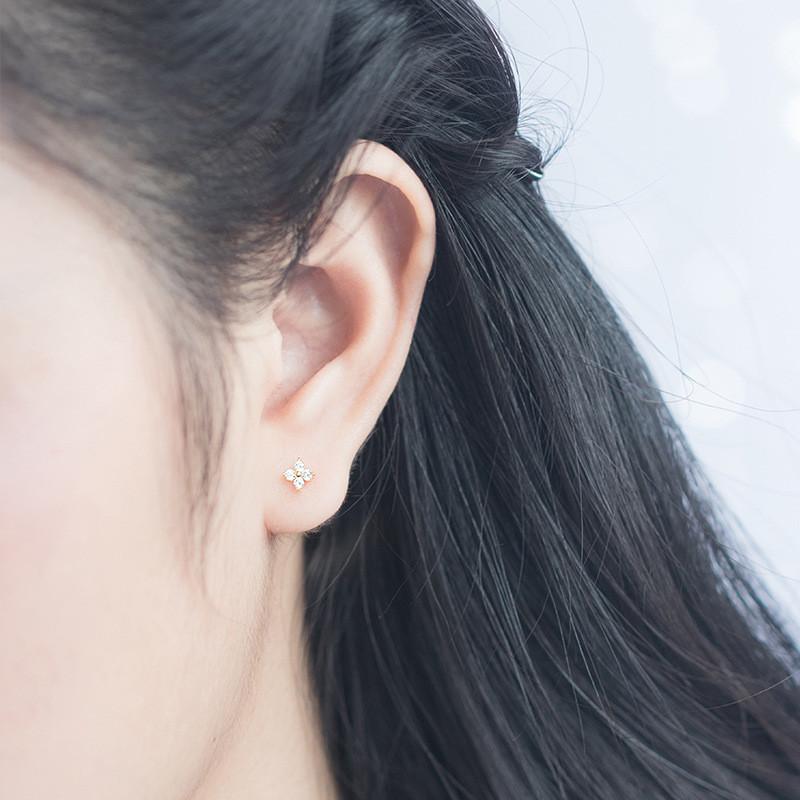 四葉のクローバー ピアス 925シルバーイヤリング 耳スタッドレディース ファッション 小物 ジュエリー アクセサリー プレゼント ギフト