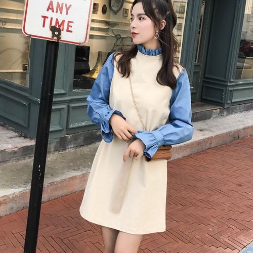 秋ファッションのゆったりする切り替えのデニムワンピースの女性はベルトを送ります-1