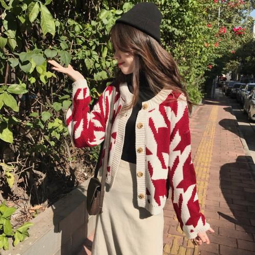 秋冬は復古します  ゆったりします  ものぐさの風  編み織のシャツ   アウター