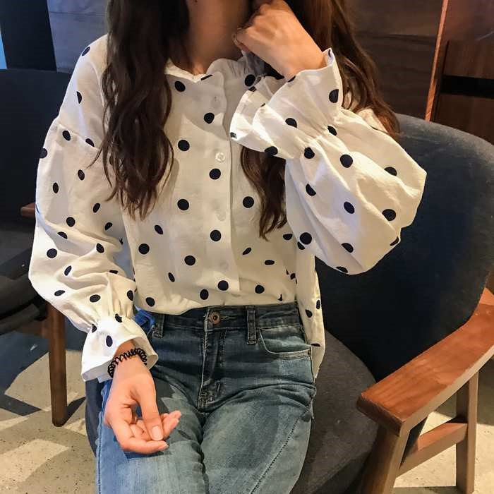 2019春服  新作  ゆったりするドット  パフスリーブのワイシャツ