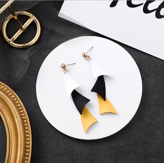 ピアス アクセサリー デザイン 不規則 オシャレ 幾何 韓国 ファッション ロングタイプ