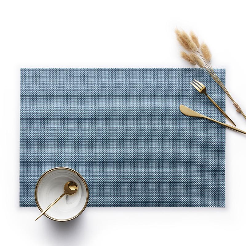 金糸の長方形の青色