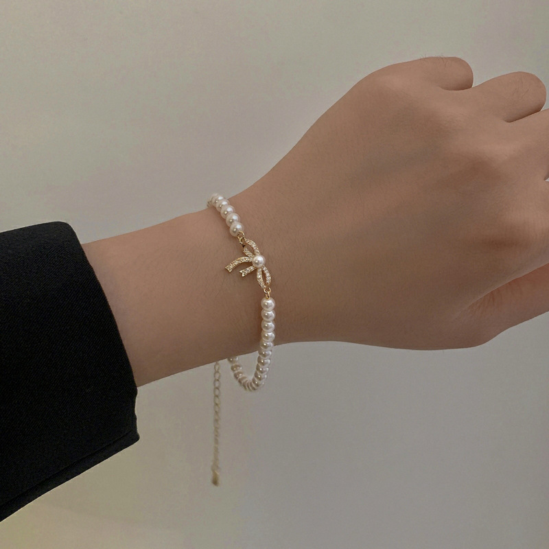 蝶結び真珠のブレスレット